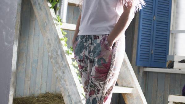 Летние  шелковые брюки с цветочным принтом