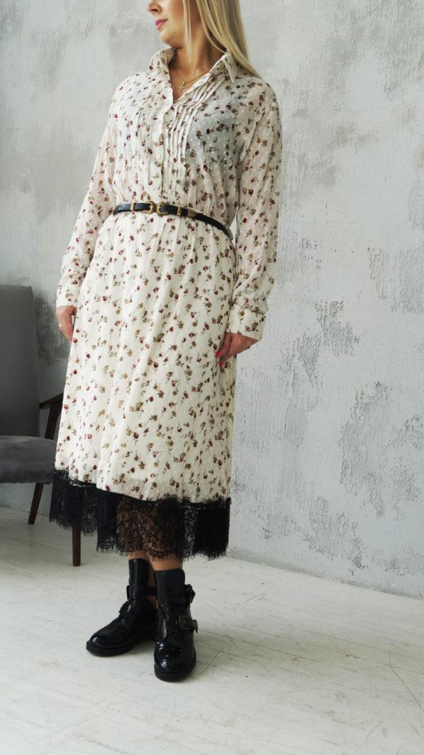 Платье кремового цвета с кружевом