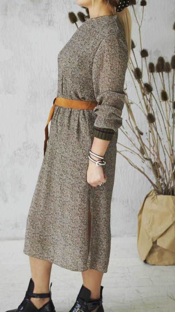 Длинное платье с трикотажными манжетами