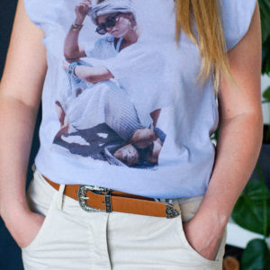 футболка с подплечниками