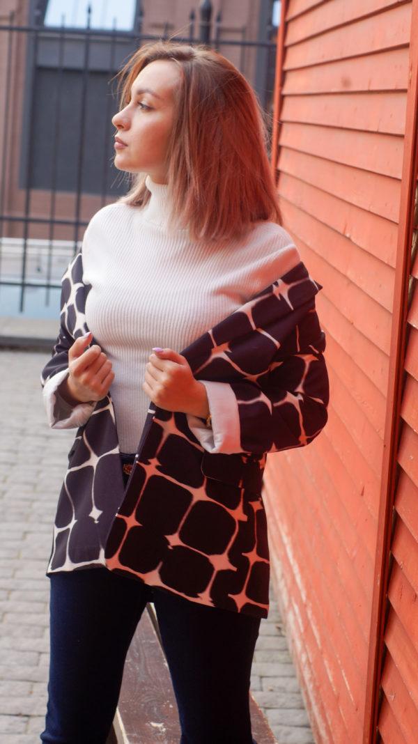 Пиджак черно белый