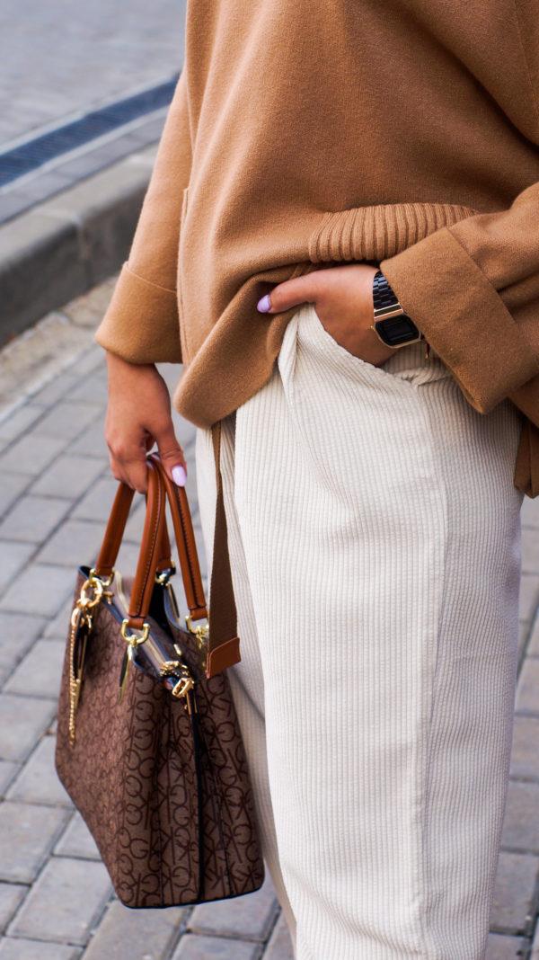 Теплый джемпер с карманами