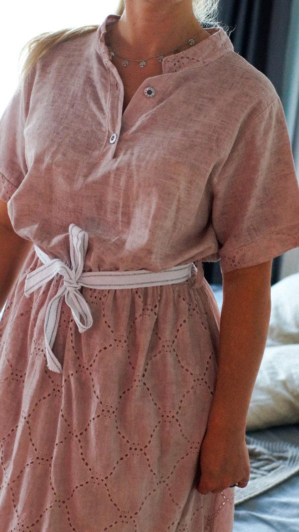 Летнее платье с рукавом