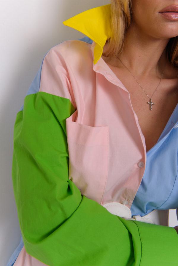 Яркая рубашка