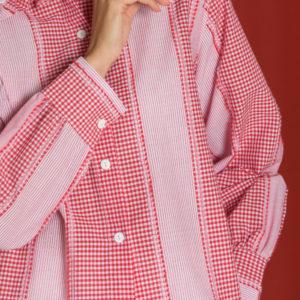 Блузка в красную клетку