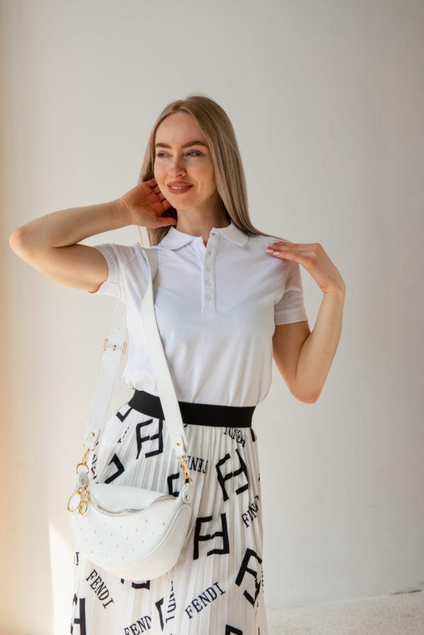 Белая классическая футболка-поло с коротким рукавом