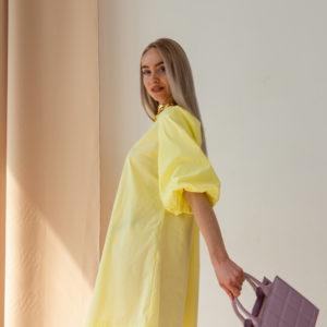Свободное желтое платье мини с объемными рукавами